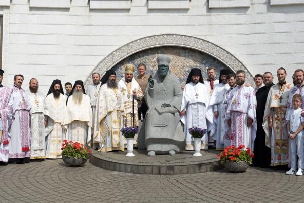 Літургія за участю афонських монахів у кафедральному соборі